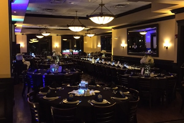 Maggianos Ballroom Wedding Reception